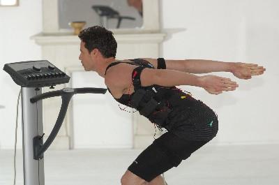 personal training enjoy wellness fitness world in schwanheim. Black Bedroom Furniture Sets. Home Design Ideas